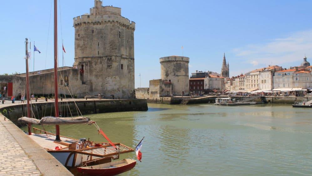 De haveningang van La Rochelle, beroemd geworden door de film Dat Boot.
